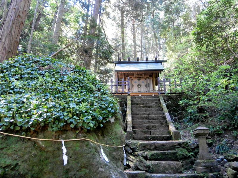 御岩神社2