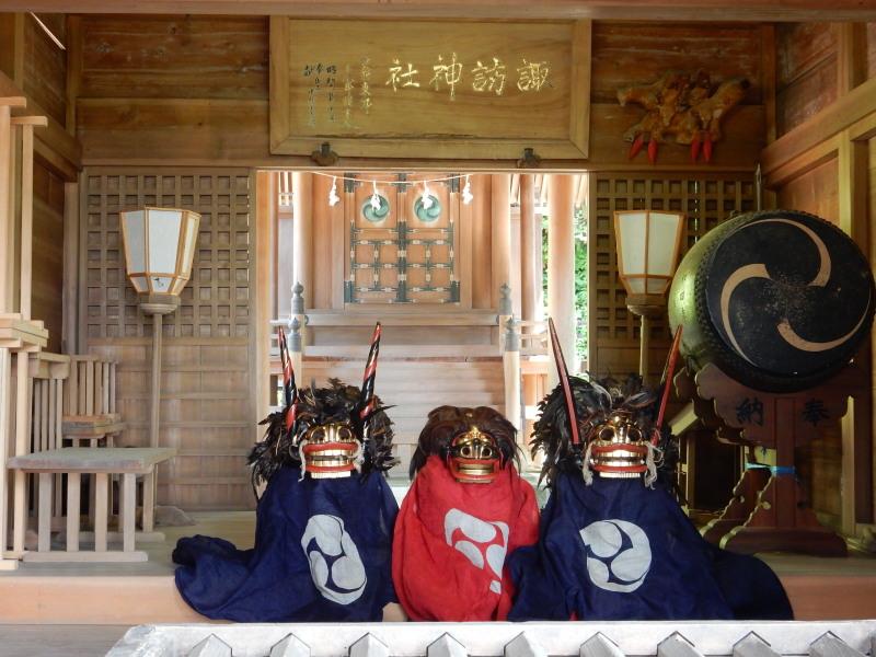 諏訪神社休憩所1