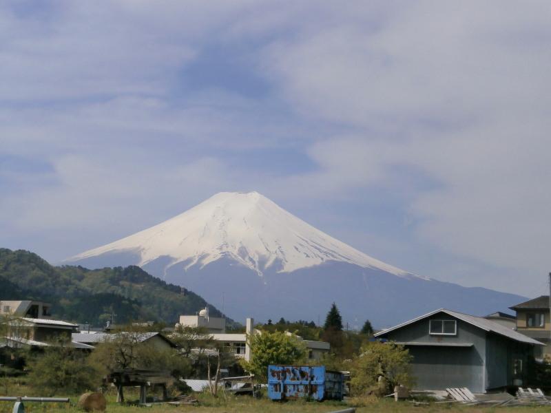 三つ峠駅付近から富士山2
