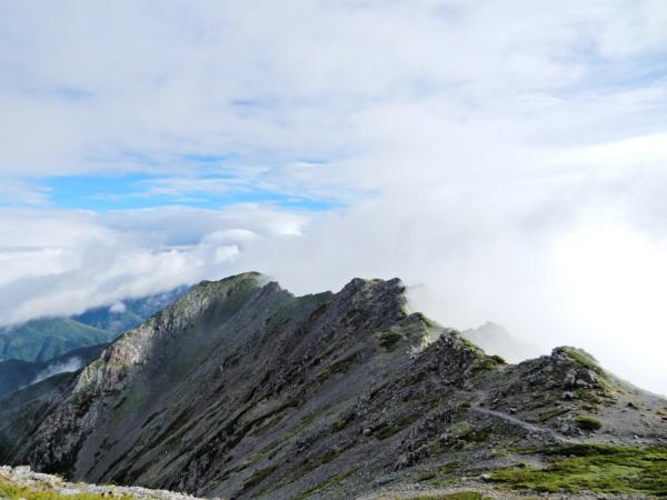 北岳ー間ノ岳の稜線