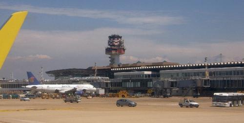 Rom_Fiumicino_Airport_2008_by-RaBoe_04_convert_20140408182325.jpg
