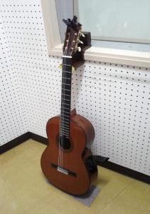 ギタースタンド2