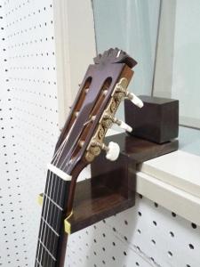 ギタースタンド3