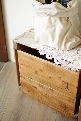 ハンドメイドのアンティーク風木箱