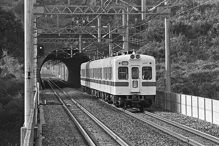 198504黒川_2400形_01