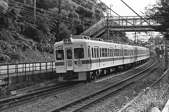 198504ランド_5000形_002