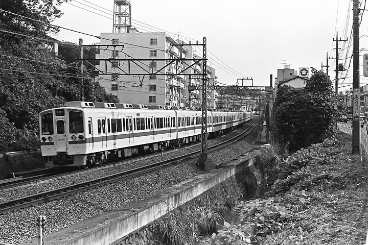 198504ランド_9000形_002