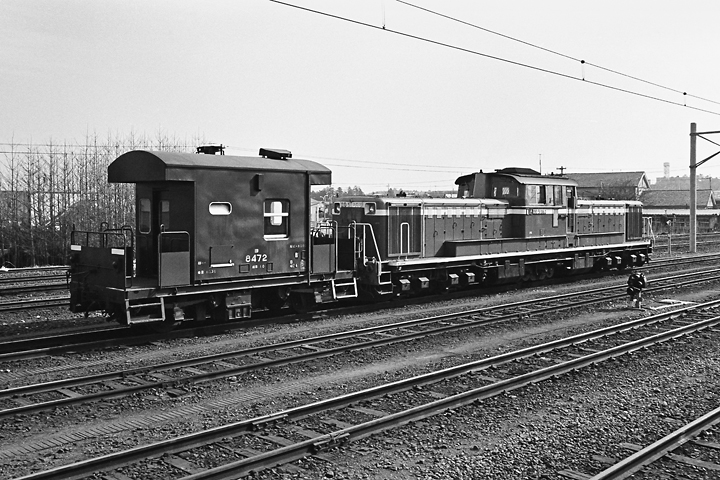 198602高麗川駅_DD51