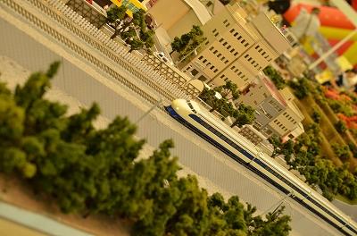 train-5.jpg
