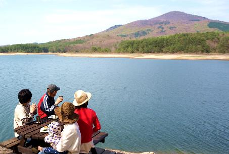 山と湖のカフェ7