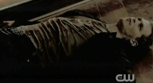 The-Vampire-Diaries-S3x21-Stefan-killed-Klaus1.jpg