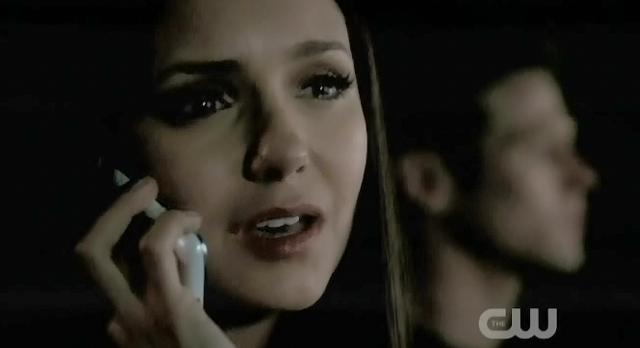 The-Vampire-Diaries-S3x22-Elena-on-the-phone-with-Damon.jpg