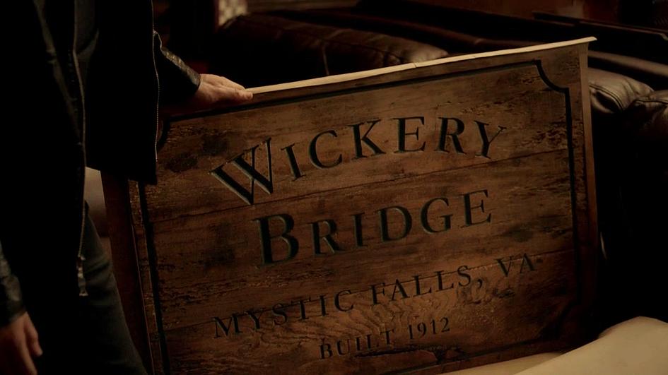 Vampire-Diaries-3X17-Placa-Mystic-Falls.png
