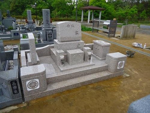 じんべえ万成墓4月30日 (2)