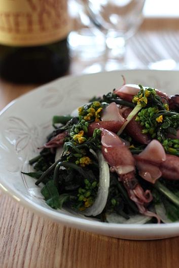 ほたるいかと紅菜苔のサラダ