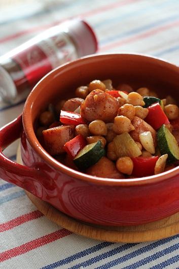 ひよこ豆とソーセージのチリマヨ炒め
