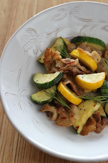 ズッキーニと豚肉の塩レモン炒め