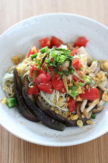 野菜トマト蕎麦1