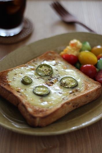 ハラペーニョチーズトースト