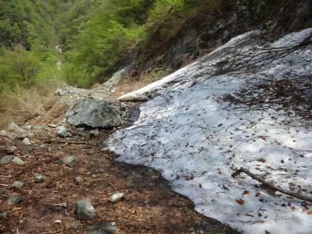 IMGP1364 雪崩 落石