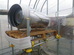 [写真]新品に交換してもらった暖房機兼二酸化炭素発生機