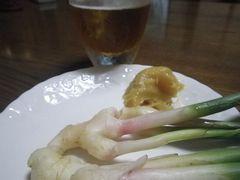 [写真]葉ショウガとビール