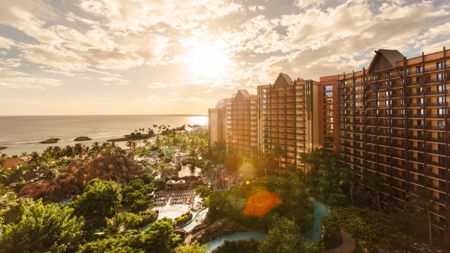 aulani-homepage-award-2014-sunset-resort.jpg