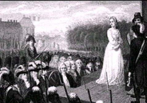断頭台の上に立つ王妃マリー